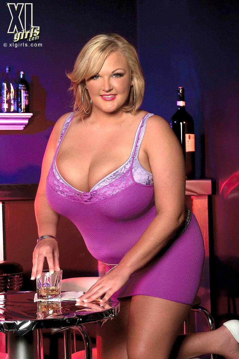 Anna Kay BBW Blonde Whips Out Huge Boobs at Bar