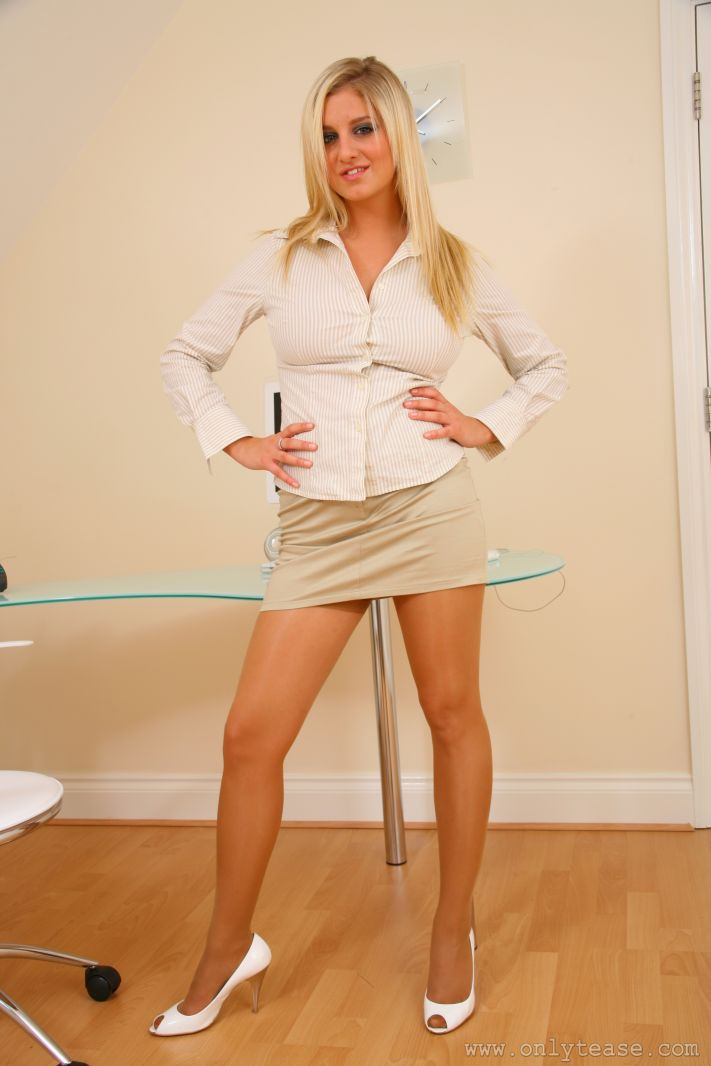 Jenny McClain Busty Secretary in Pantyhose