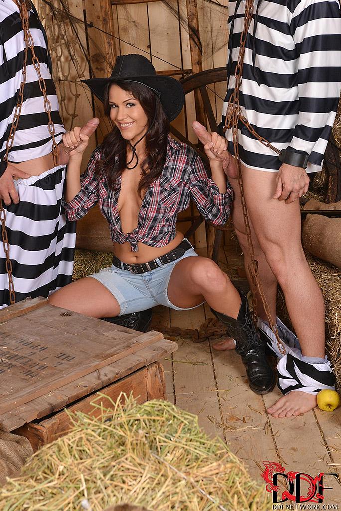 Samia Duarte Pulls Off Double Fisted Handjobs