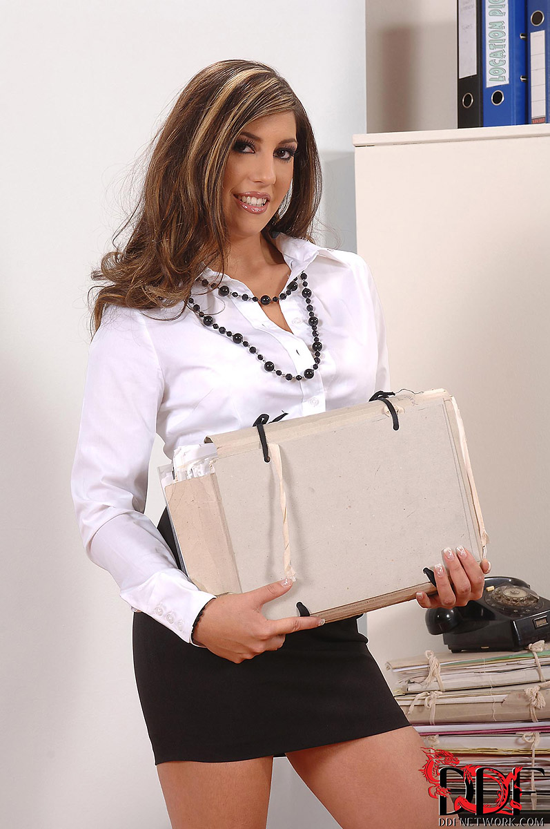 Sylvia Diamond Busty Secretary Goes Deepthroat on Boss