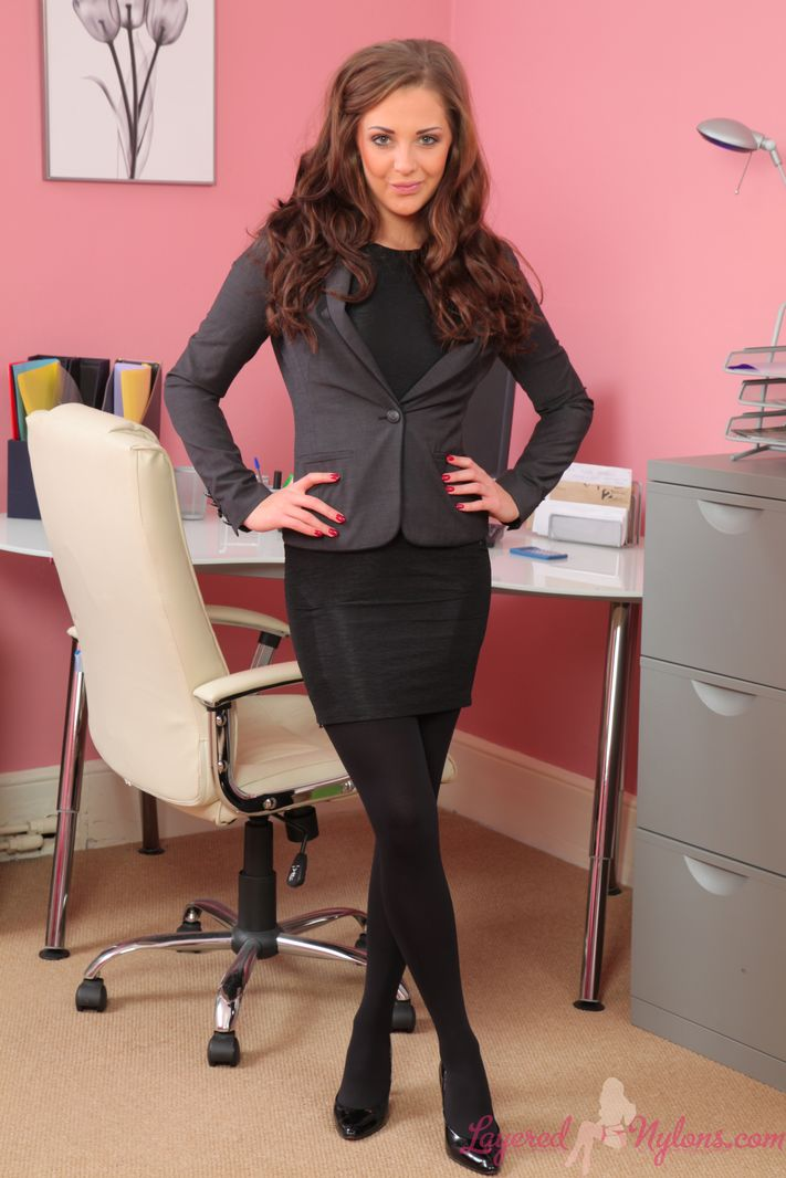 Sesnsational secretary Daisy in black layered nylons